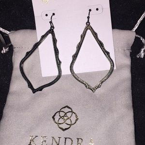 Kendra Scott Sophee earnings.gun metal.